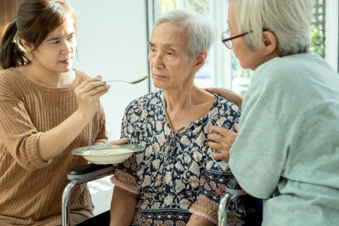 How to Deal with Appetite Loss in Seniors